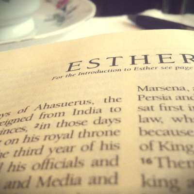 Bible-Page-Esther
